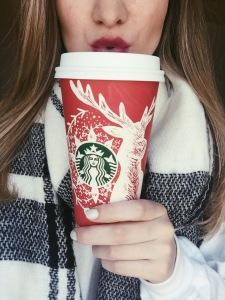 blogmas starbucks red cups