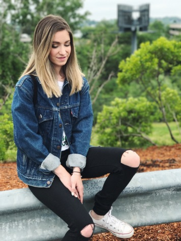 oversized denim jacket outfit